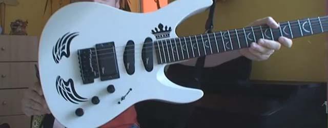 Eine Gitarre ist nicht nur ein Instrument, sondern in gewisser Hinsicht auch ein Accessoire und das gehört inidividualisiert. Nun könnte man mit dem Edding selbst...